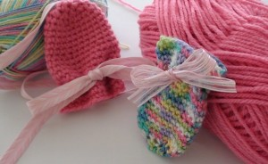 Thumbless-Crochet-Baby-Mittens